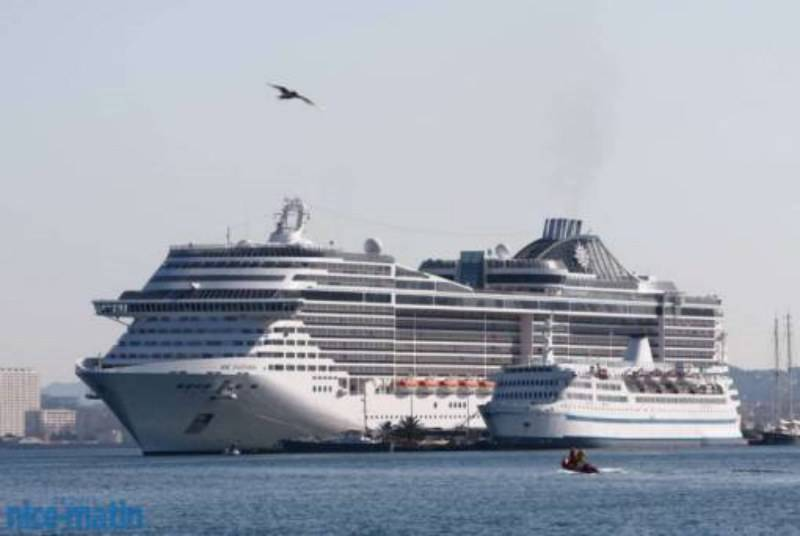 Taxi 7 places au grand port maritime de marseille costa - Port embarquement croisiere marseille ...